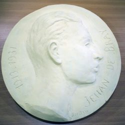 JEHAN (Médaillon en pierre)